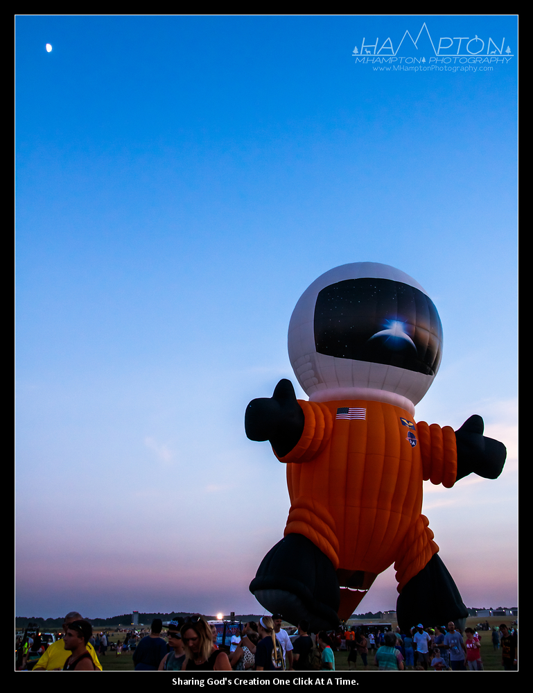 Spaceman and Moon